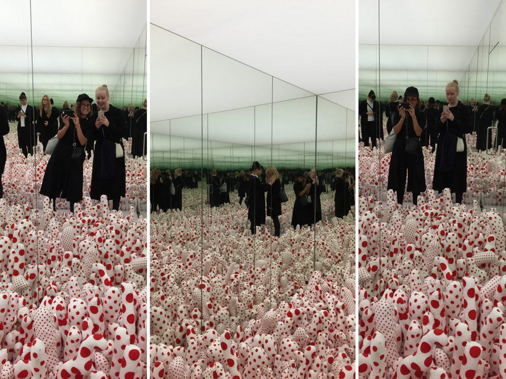 Infinity Mirror Room - Phallis's Field